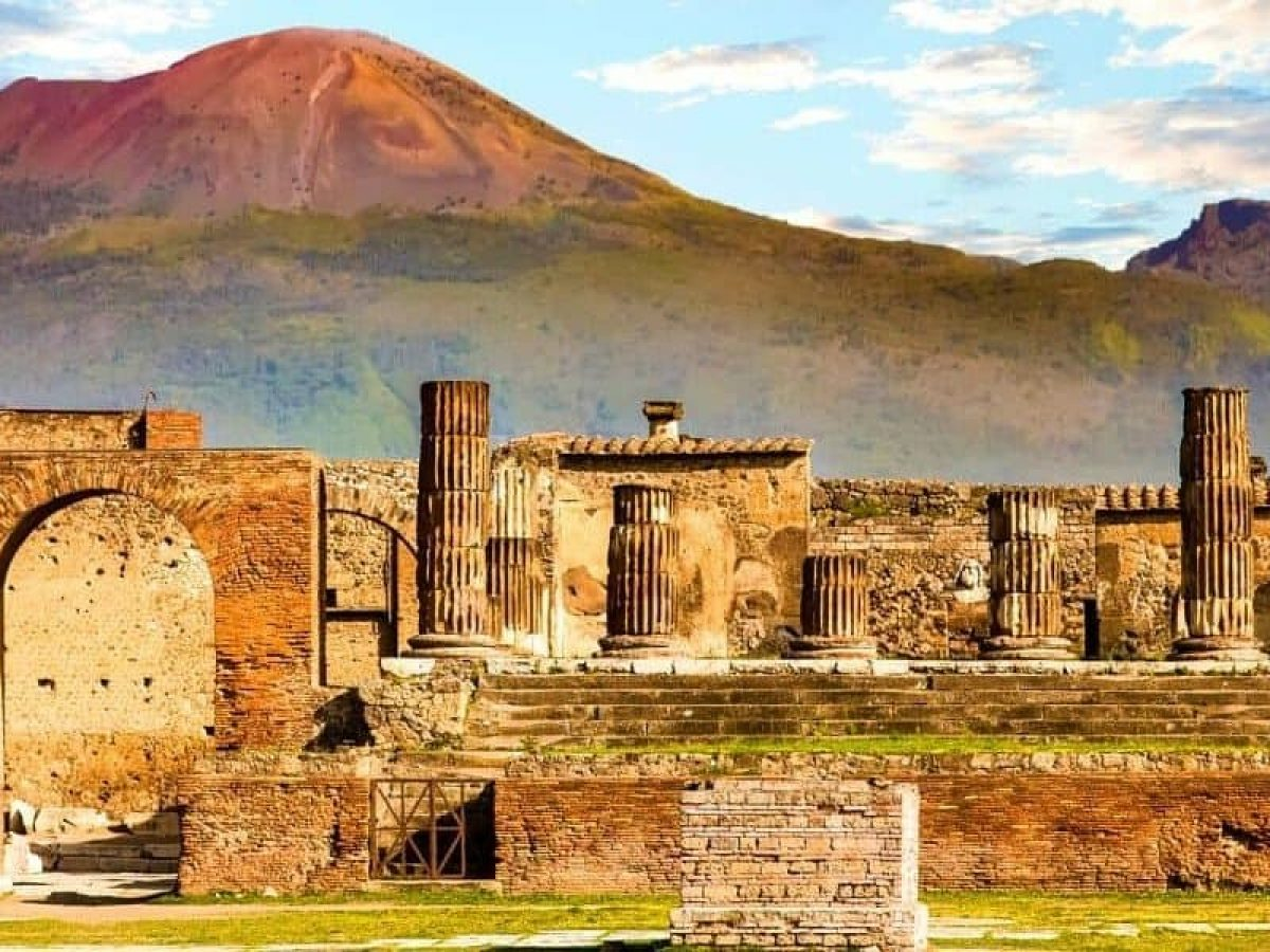 Amalfi Coast, Pompeii & Positano From Rome